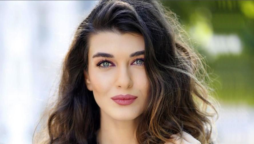 Турецкая актриса Аслыхан Гюнер / Aslihan Güner
